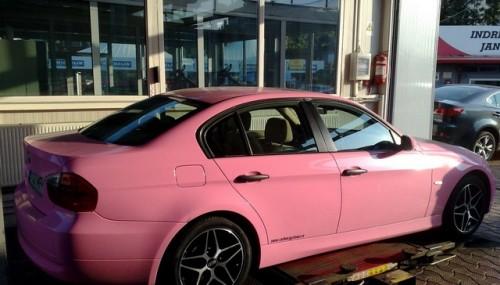 Un BMW Seria 3, roz, din Romania!28275