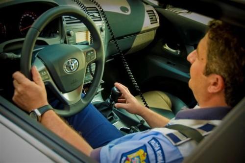 Doua Toyota Avensis vegheza asupra sigurantei traficului pe Autostrada A228255