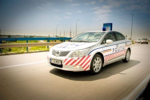 Doua Toyota Avensis vegheza asupra sigurantei traficului pe Autostrada A228257