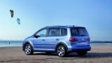 OFICIAL: Iata noul Volkswagen CrossTouran!28172
