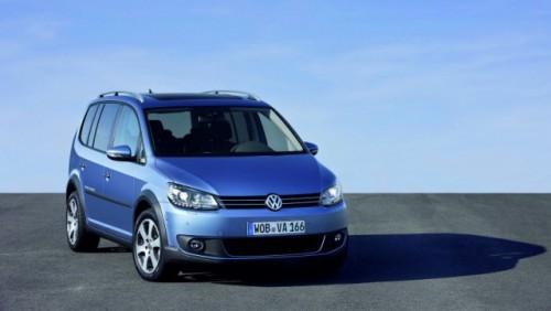 OFICIAL: Iata noul Volkswagen CrossTouran!28177