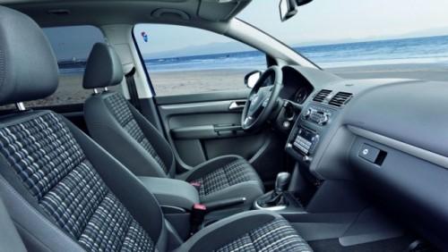 OFICIAL: Iata noul Volkswagen CrossTouran!28187