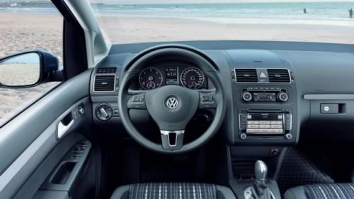 OFICIAL: Iata noul Volkswagen CrossTouran!28188