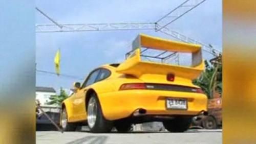 VIDEO: Porsche si Ferrari pentru doar 12.000 de dolari28124