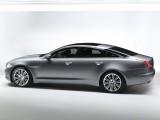 Jaguar este tinut pe loc de Ford28118