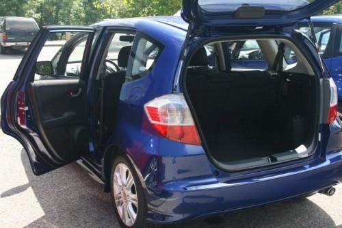 Honda Fit hibrid costa 18.600 $27894