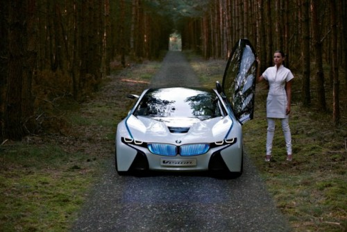 Supercarul BMW EfficientDynamics intra in linie dreapta27698