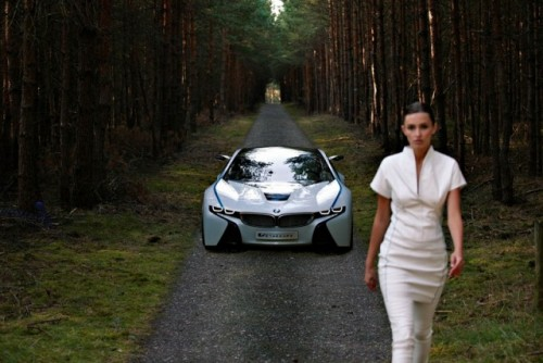 Supercarul BMW EfficientDynamics intra in linie dreapta27700