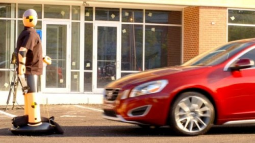 VIDEO: Volvo prezinta noul S60 cu sistemul de detectare a pietonilor27251