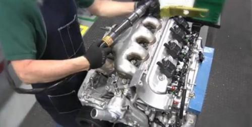 VIDEO: Clientii de Corvette isi pot monta singuri motorul26967