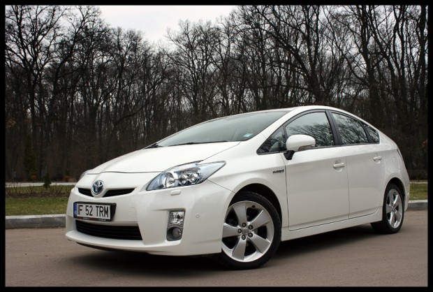 Test-drive Toyota Prius