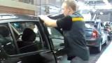 VIDEO: Cum se repara usile pe liniile asamblare Dacia26278
