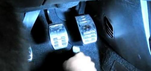 VIDEO: Alfa Romeo Giulietta, modificarea pedalei de acceleratie26199