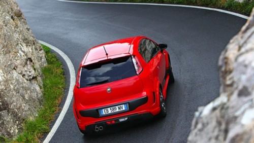 Abarth a tunat modelul Fiat Punto Evo26010