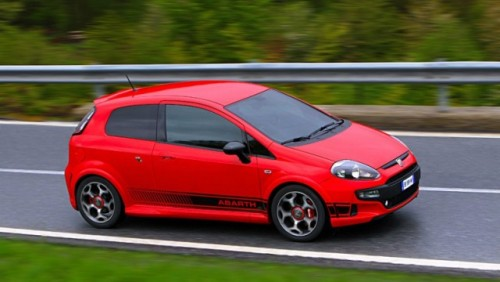 Abarth a tunat modelul Fiat Punto Evo26012