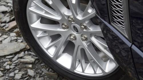 Land Rover prezinta noul model Range Rover25991