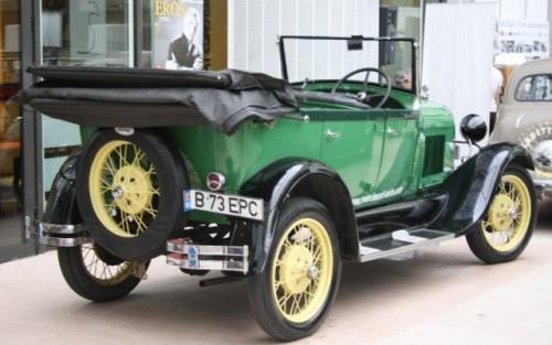 Galerie Foto: Bucharest Classic Car Show (1)25880