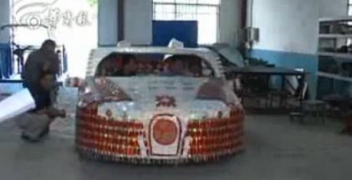 VIDEO: Bugatti Veyron, construit din pachete de tigari25792