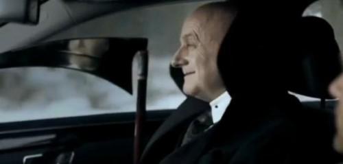 VIDEO: Seful VW apare intr-o reclama Mercedes25615