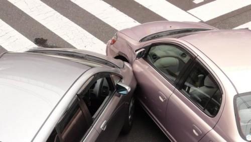 Asiguratorii auto au platit mai multe dosare de dauna in 200925146