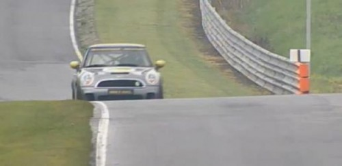 VIDEO: Mini E Race, in cursa de 24h de la Nurburgring25091