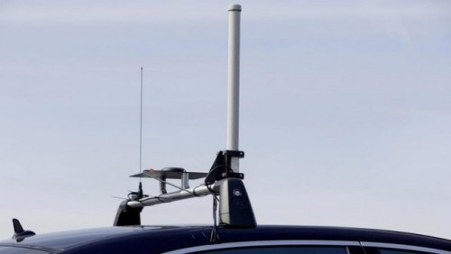 Mercedes dezvolta tehnologia care piloteaza autonom masina25085
