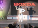 VIDEO: Incredibilul robotel Asimo25000