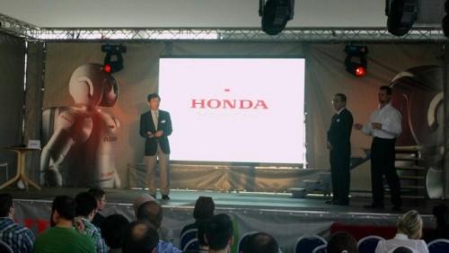 Galerie Foto: Honda prezinta robotul Asimo in Romania24973