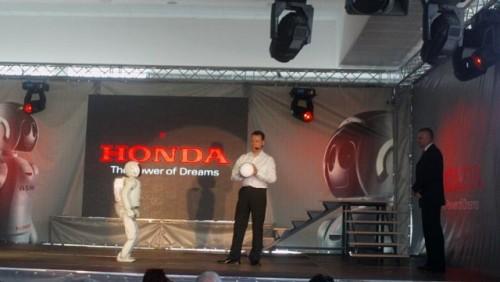 Galerie Foto: Honda prezinta robotul Asimo in Romania24984