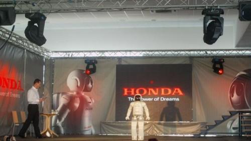 Galerie Foto: Honda prezinta robotul Asimo in Romania24989