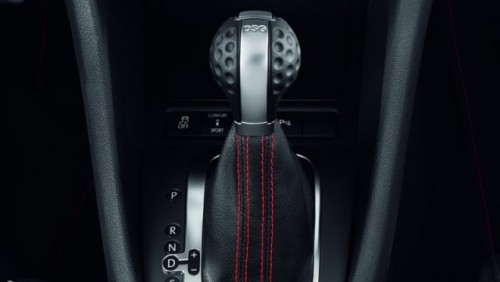Iata noul Volkswagen Golf GTI Adidas!24940