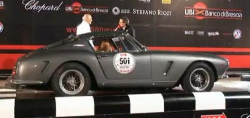 VIDEO: Sosirea masinilor Ferrari in cursa Mille Miglia24723