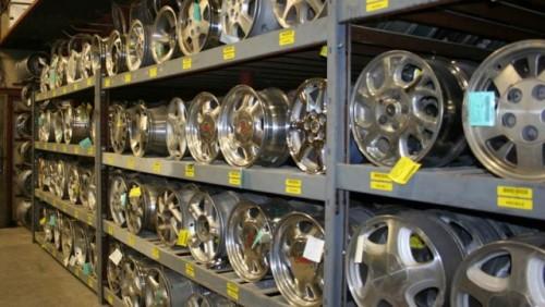 Vanzarile auto continua sa afecteze comertul din industrie24644