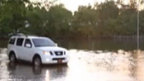 VIDEO: Distractie in timpul inundatiilor24577