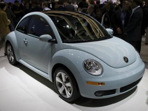 VW New Beetle iese de pe scena24534