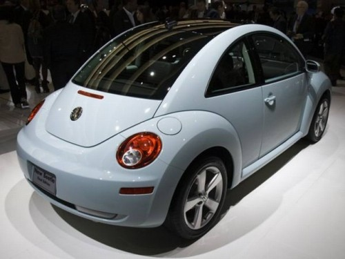 VW New Beetle iese de pe scena24535