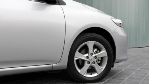 Iata noul Toyota Corolla facelift!24376