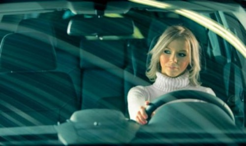 Studiu: Femeile isi iubesc masinile mai mult decat barbatii24314