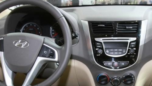 OFICIAL: Iata noul Hyundai Accent!24109