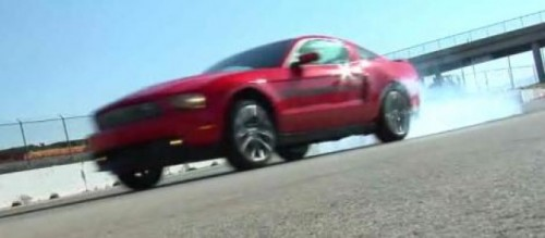VIDEO: Confruntare intre cele mai tari muscle-car-uri23628