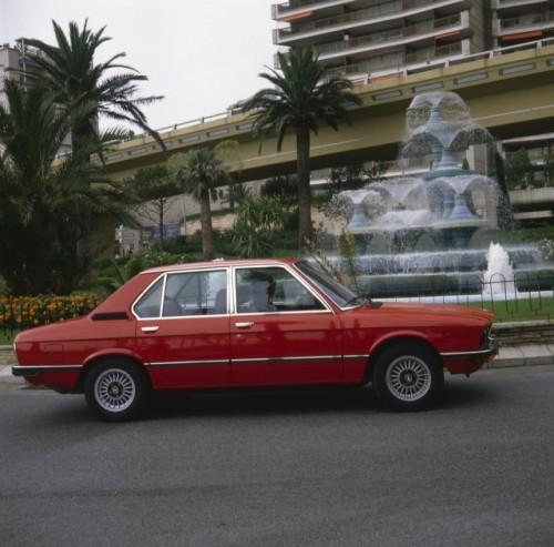 BMW prezinta in imagini istoria lui Seria 523501