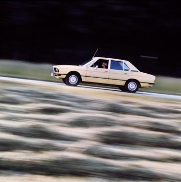 BMW prezinta in imagini istoria lui Seria 523505