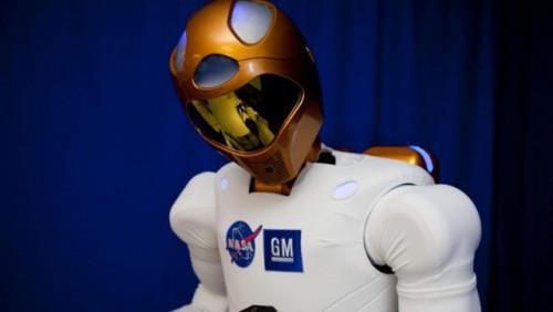 NASA si GM au creat un robot umanoid pentru misiunile spatiale23454