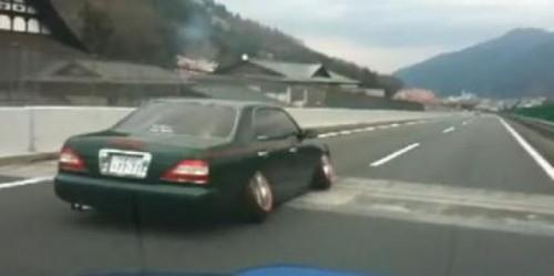 VIDEO: Cea mai nebuna modificare pe care o poti face la o masina23434