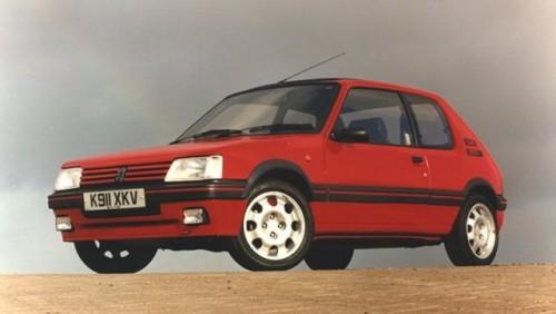 Peugeot reinventeaza modelul 205 GTI23398