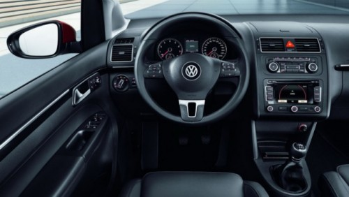OFICIAL: Noul Volkswagen Touran23333