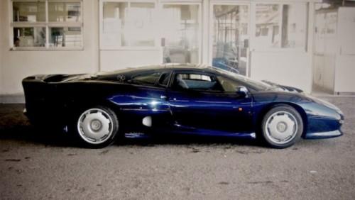 Jaguar XJ220, un supercar pe cale de disparitie23199