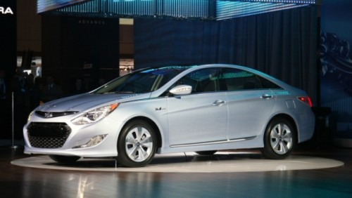 Noul Hyundai Sonata hibrid a fost prezentat la New York23101