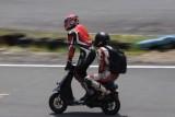VIDEO: Competitie neobisnuita cu scutere22465