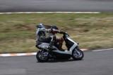 VIDEO: Competitie neobisnuita cu scutere22467